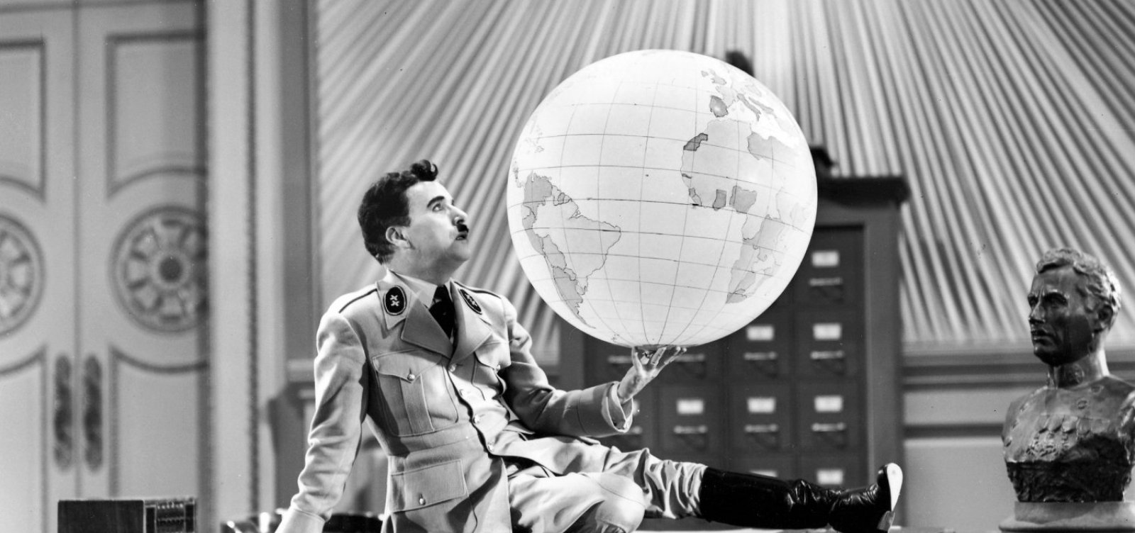 [O Grande Ditador: filme de Chaplin completa 80 anos]