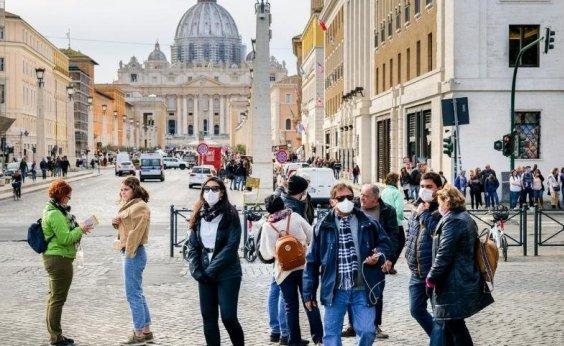 [Itália bate recorde de casos diários de Covid-19 por três dias consecutivos ]