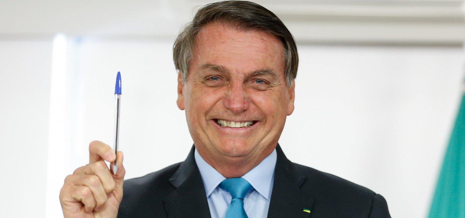 [Governo Bolsonaro quer acabar com aumento real de piso salarial de professor]
