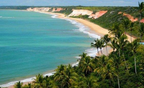 [Atividade turística na Bahia cresce 48,4% entre julho e agosto]