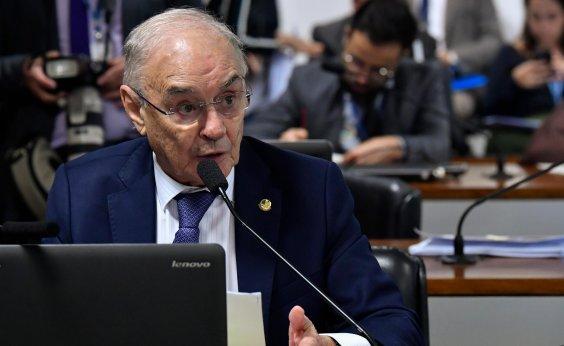 [Senador Arolde de Oliveira morre, aos 83 anos, de coronavírus]