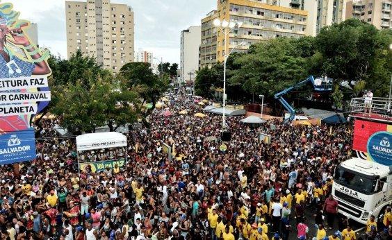 [Em meio a pandemia, blocos e camarotes seguem vendendo abadás para carnaval 2021 em Salvador]