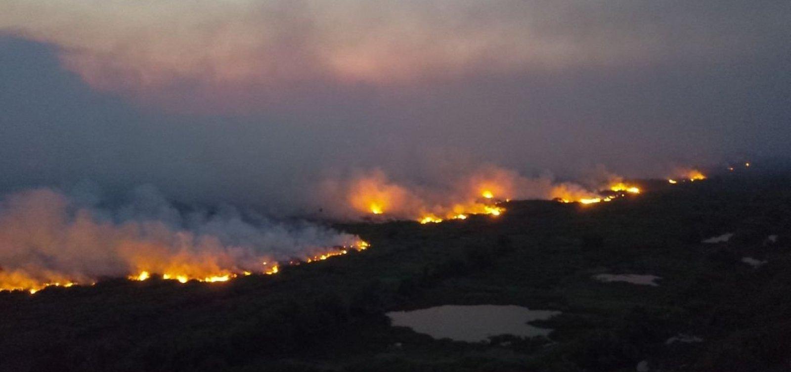 [Governo vai desbloquear recursos e retomar combate a queimadas, diz Mourão]