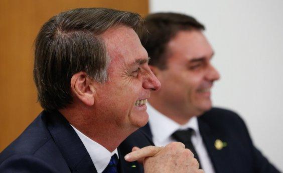 [Sem registrar em agenda, Bolsonaro recebeu advogados de Flávio Bolsonaro para discutir caso Queiroz]