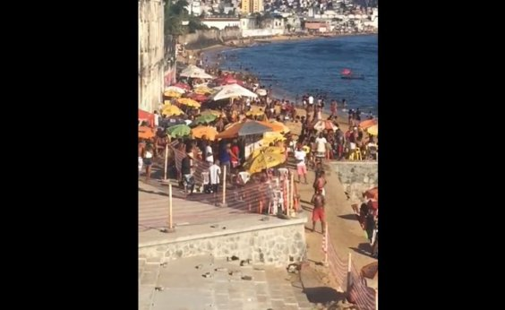 [Sem fiscalização da Guarda Municipal, banhistas lotam praias de Salvador no final de semana]