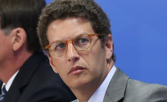 [Após atacar colega Luiz Eduardo Ramos, ministro Ricardo Salles admite 'excesso' e pede desculpas]