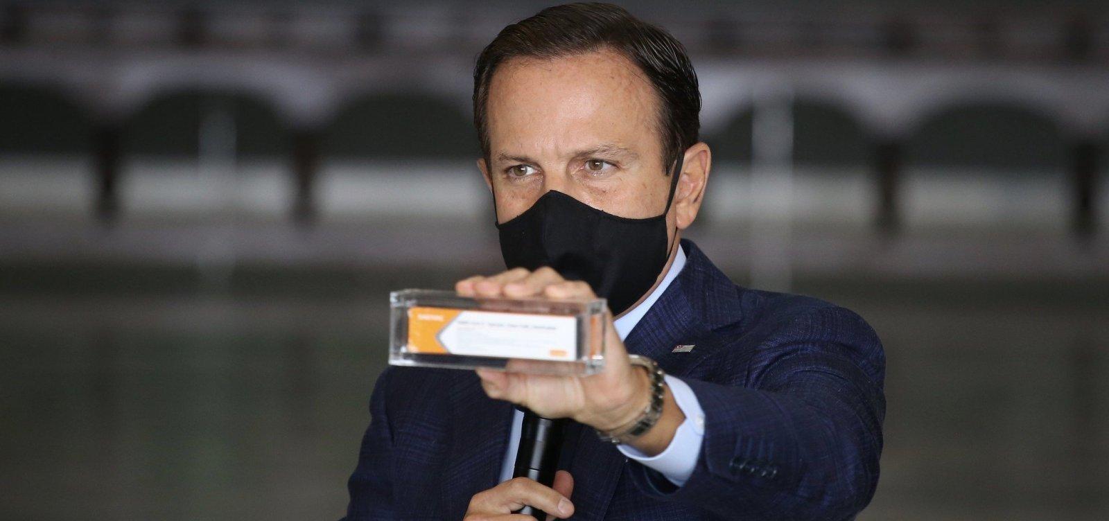 [Covid-19: Primeiras doses da vacina CoronaVac chegam em uma semana, diz governador de SP]
