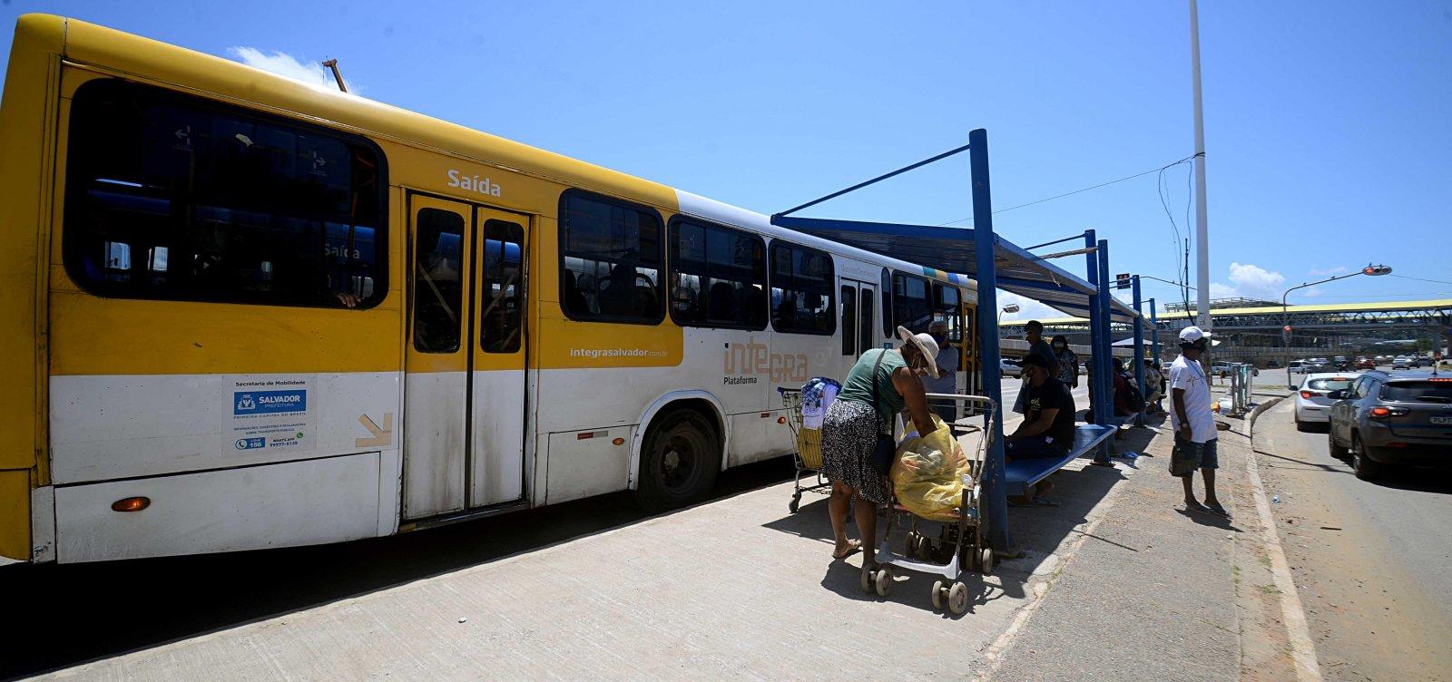 [Prefeitura adota 100% da frota de ônibus em horários de pico a partir desta terça]