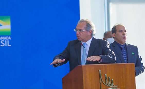 [Governo estuda reduzir imposto de importação para material de construção, diz Paulo Guedes]