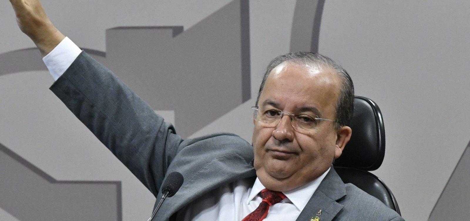 [Bolsonaro agrada Centrão e dá vice-liderança no Congresso ao PL]