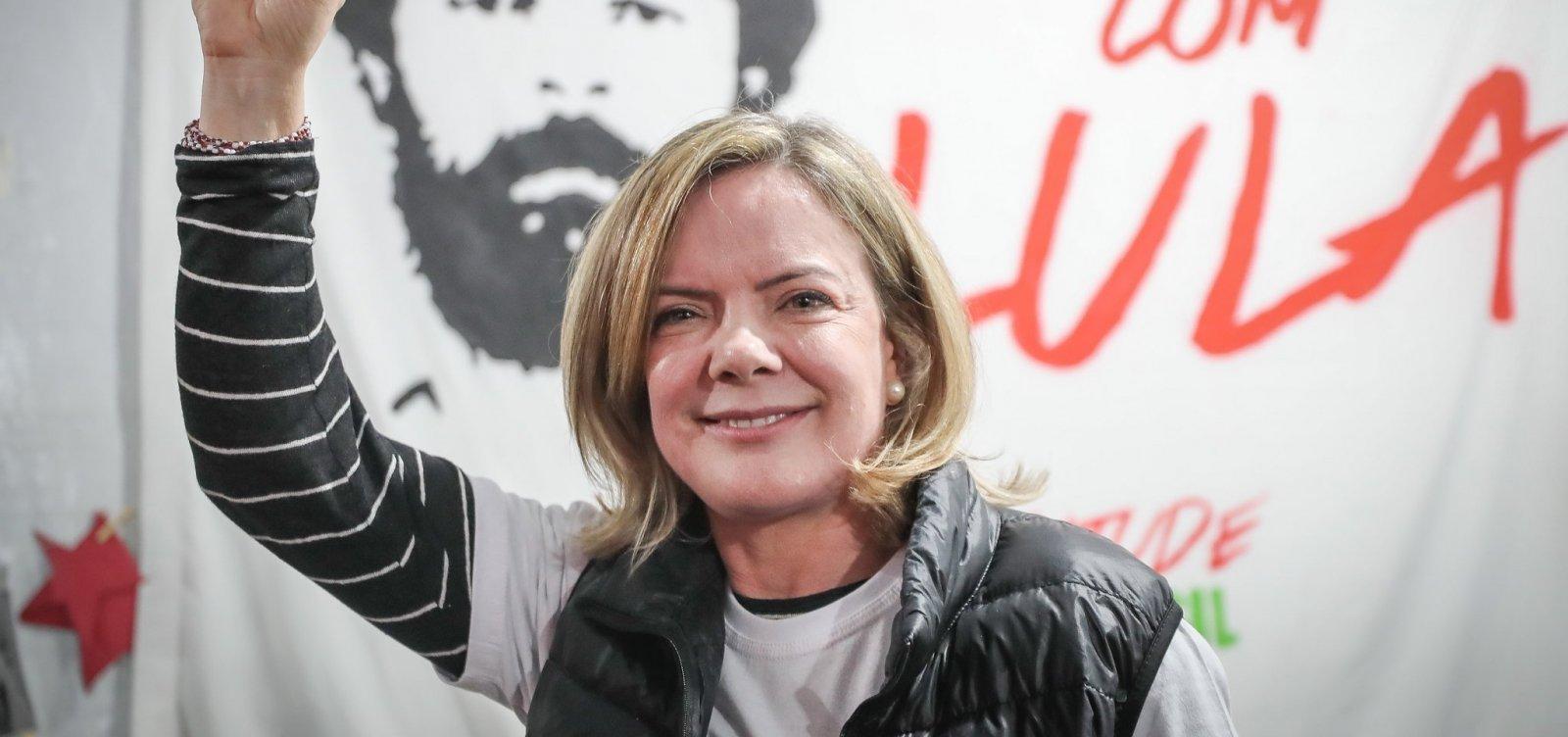 [Após aproximação de Lula, presidente do PT cobra pedido de desculpas de Ciro]