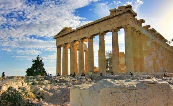 [Grécia anuncia confinamento parcial para conter segunda onda de Covid-19]
