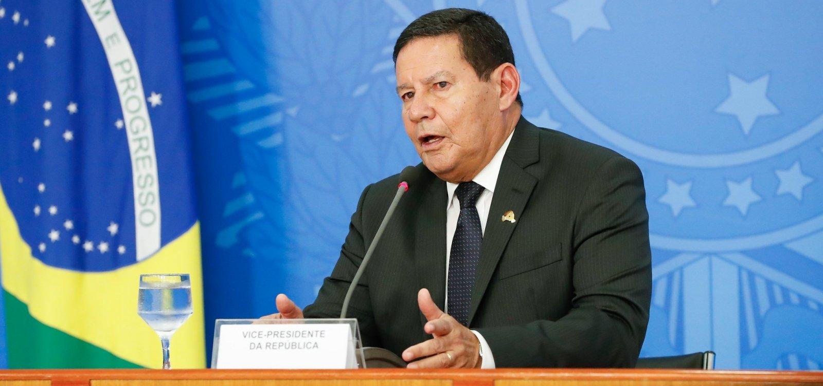[Mourão diz que Bolsonaro cumprimentará 'quem for eleito' nos EUA na hora certa]